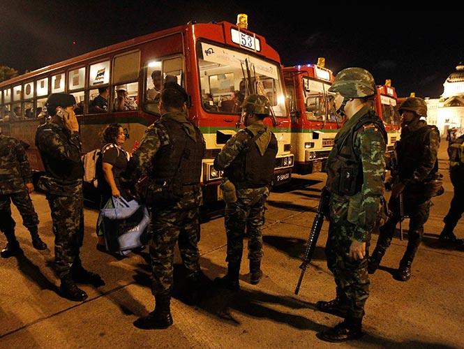 Militares en la calle en Tailandia