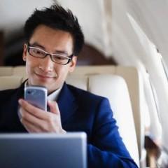Smartphone considerado una de las cosas más importantes para el viajero